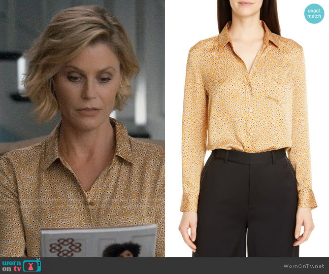 Equipment Leema Ditsy Shirt worn by Claire Dunphy (Julie Bowen) on Modern Family