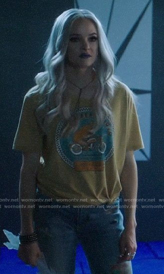 Frost's Golden Bear t-shirt on The Flash