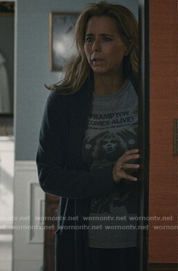 Elizabeth's Peter Frampton Comes Alive t-shirt on Madam Secretary