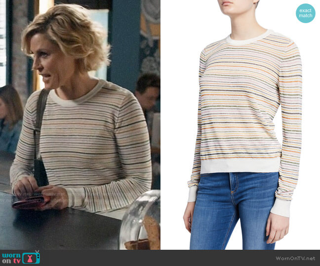 Joie Ade Sweater worn by Claire Dunphy (Julie Bowen) on Modern Family