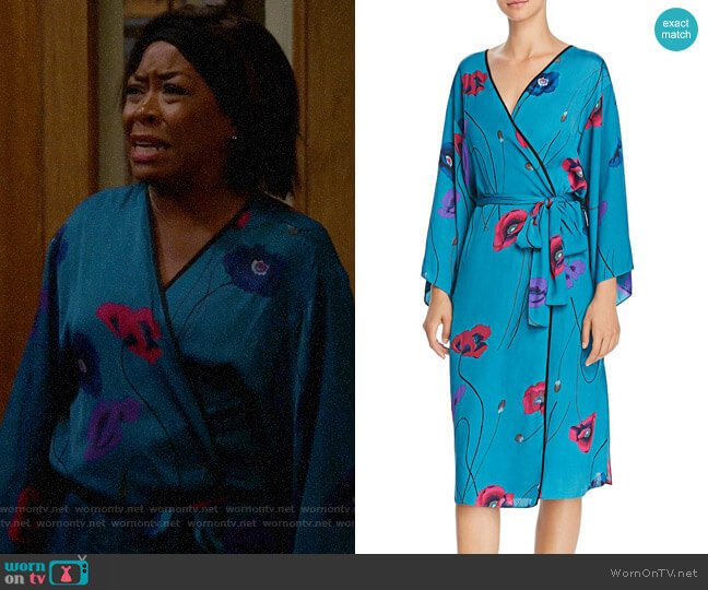 Josie Freestyle Printed Satin Long Robe worn by Tina (Tichina Arnold) on The Neighborhood