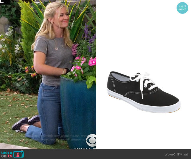 worn by Gemma (Beth Behrs) on The Neighborhood