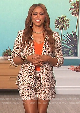 Eve's leopard print blazer and shorts on The Talk