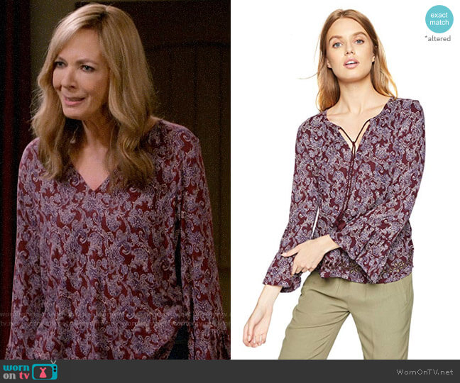 Lucky Brand Printed Peasant Top worn by Bonnie Plunkett (Allison Janney) on Mom