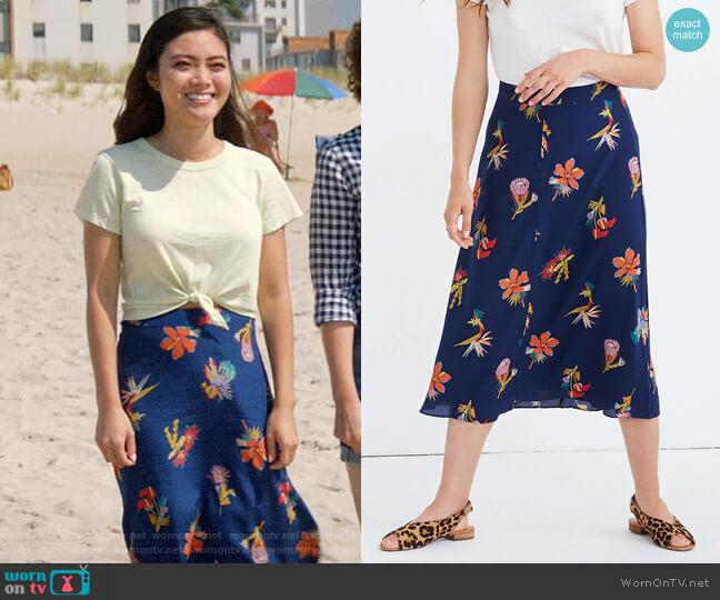 Madewell Silk Atrium Midi Skirt in Bird of Paradise worn by Joy (Jessica Lu) on God Friended Me