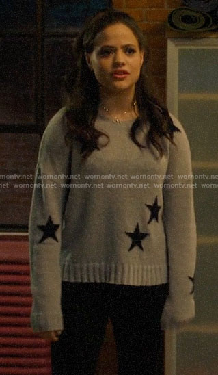 Maggie's grey star print sweater on Charmed