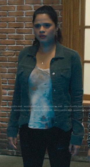 Mel's tie dye top and grey jacket on Charmed