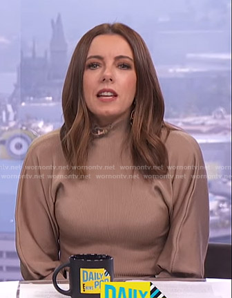 Melanie's beige ribbed sweater on E! News Daily Pop