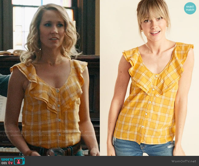 Old Navy Sleeveless Plaid Ruffle-Trim V-Neck Top worn by Ginny (Anna Camp) on Perfect Harmony