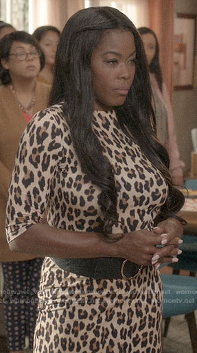 Rainbow's friend's leopard print dress on Black-ish