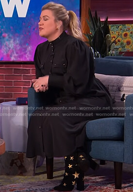 Kelly's black belted utility dress on The Kelly Clarkson Show