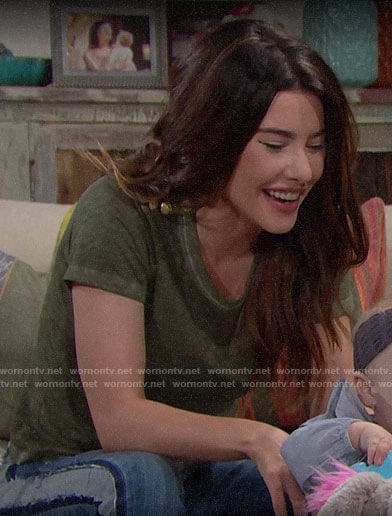 Steffy's green button shoulder tee on The Bold and the Beautiful