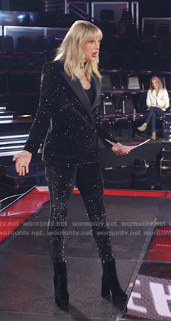 Taylor Swift's glitter embellished suit on The Voice