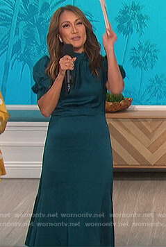 Carrie's teal puff sleeve satin dress on The Talk