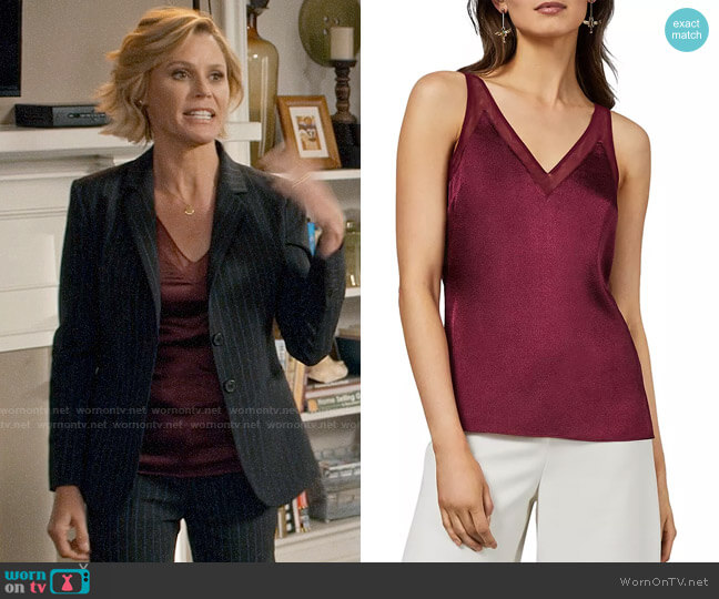 Ted Baker Lilyane Mesh-Trimmed Top worn by Claire Dunphy (Julie Bowen) on Modern Family