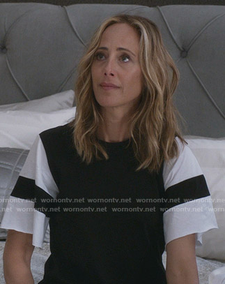 Teddy's black and white t-shirt dress on Greys Anatomy