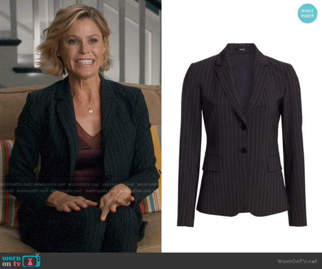 Theory Carissa Pinstripe Blazer worn by Claire Dunphy (Julie Bowen) on Modern Family