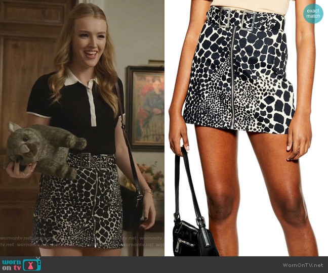 Giraffe Denim Miniskirt by Topshop worn by Kirby Anders (Maddison Brown) on Dynasty