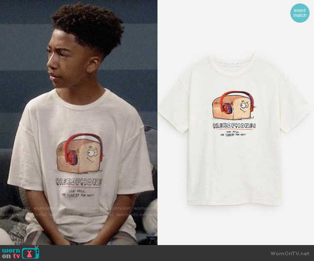 Zara Boys Breadphones T-shirt worn by Jack Johnson (Miles Brown) on Blackish