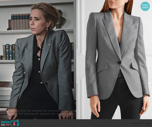 Wool-jacquard blazer by Alexander McQueen worn by Elizabeth McCord (Téa Leoni) on Madam Secretary