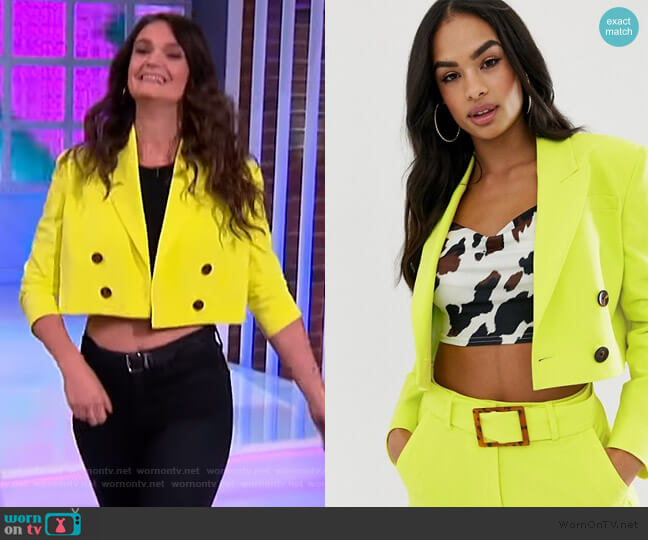 lime cropped suit blazer by ASOS worn by Sam DeRosa on The Kelly Clarkson Show