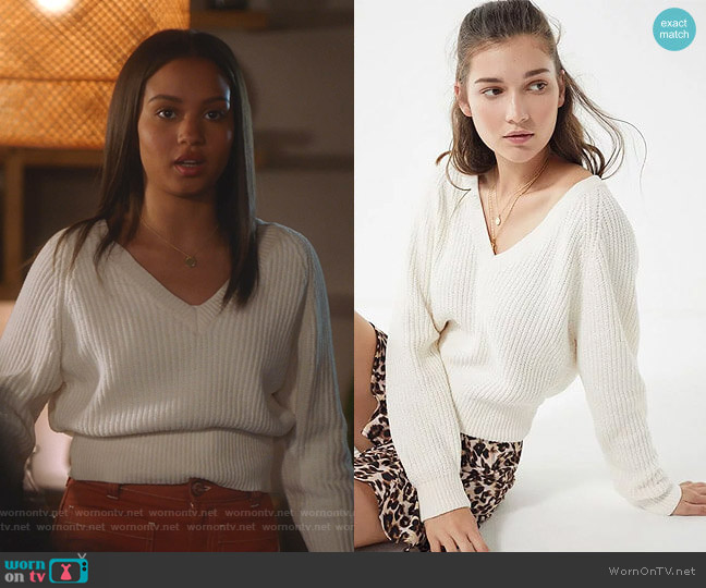 Cozy Chenille V-Neck Sweater by Urban Outfitters worn by May Grant (Corinne Massiah) on 9-1-1