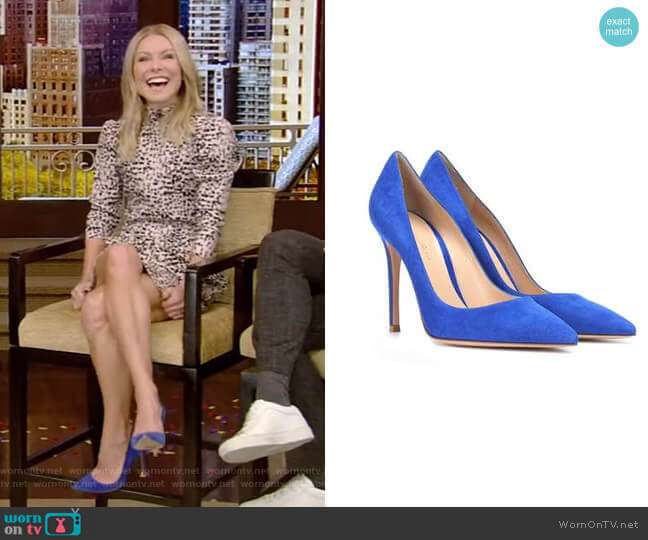 Suede Pumps by Gianvito Rossi worn by Kelly Ripa  on Live with Kelly & Ryan