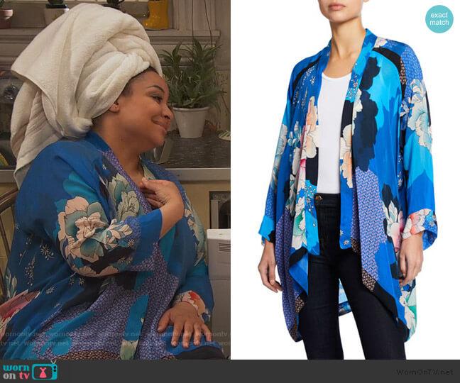 Dolce Long-Sleeve Floral-Print Georgette Kimono by Johnny Was worn by Raven Baxter (Raven-Symoné) on Ravens Home