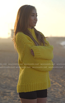 Madison's yellow chunky knit sweater on Dollface