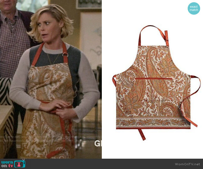 Maison d' Hermine Kashmir Paisley Apron worn by Claire Dunphy (Julie Bowen) on Modern Family