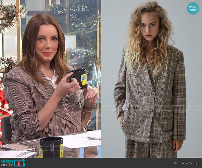 Plaid Blazer by Zara worn by Melanie Bromley  on E! News