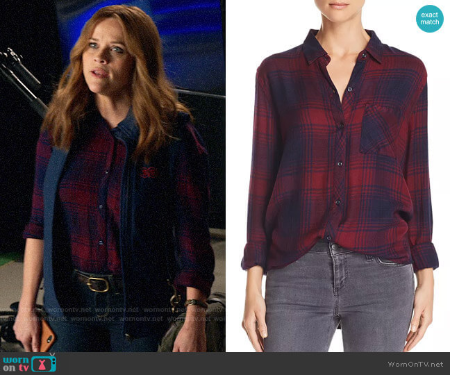 Rails Hunter Shirt in Currant Navy worn by Bradley Jackson (Reese Witherspoon) on The Morning Show