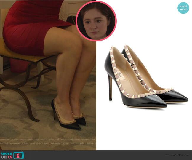 Valentino Garavani Rockstud patent leather pumps by Valentino Garavani worn by Debbie Gallagher (Emma Kenney) on Shameless
