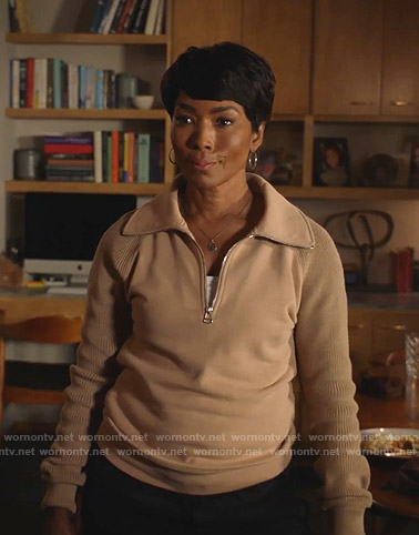 Athena's beige knit sleeve sweatshirt on 9-1-1