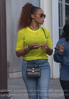 Eve's short sleeve yellow sweater on The Talk