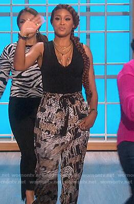 Eve's black tiger print pants on The Talk