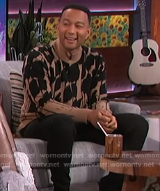 John Legend's brown turtleneck sweater on The Kelly Clarkson Show