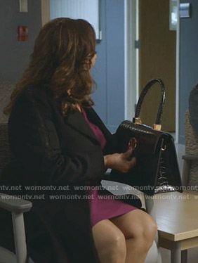 Catherine's black crocodile hand bag on Greys Anatomy