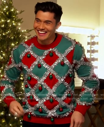 Henry Golding's ugly christmas sweater on The Kelly Clarkson Show