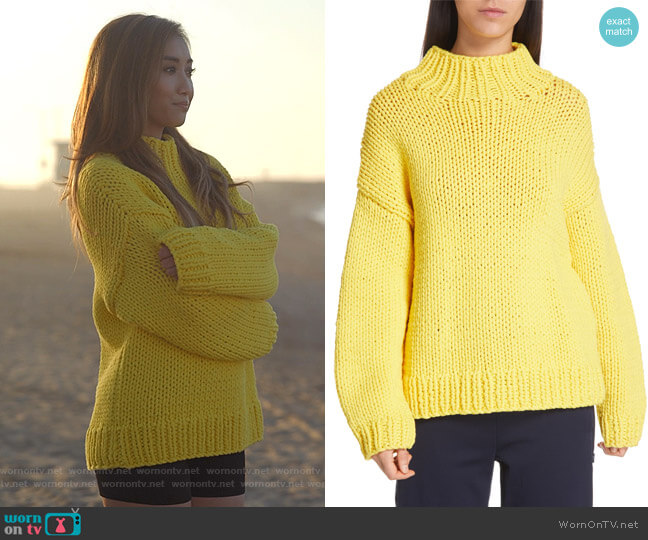Chunky Hand Knit Sweater by Tory Sport worn by Madison Maxwell (Brenda Song) on Dollface
