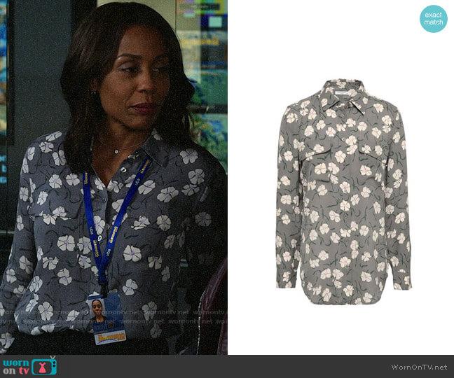 Equipment Slim Signature Floral Shirt worn by Mia Jordan (Karen Pittman) on The Morning Show