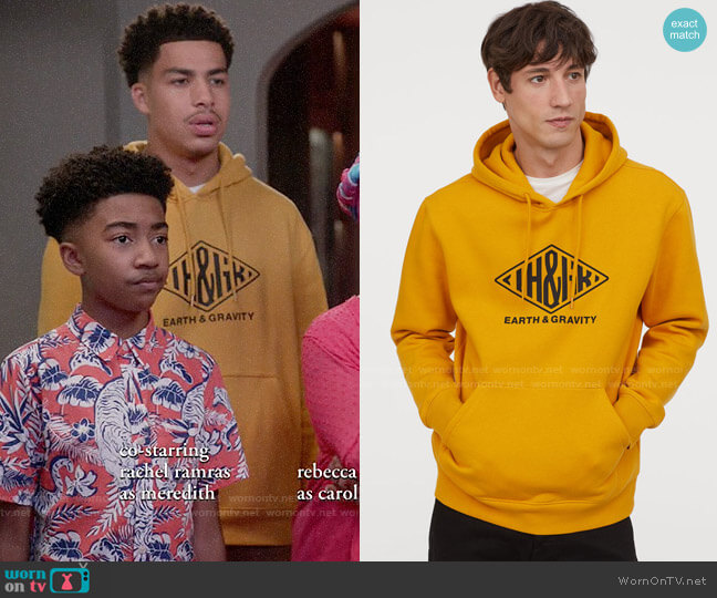 H&M Printed Hooded Sweatshirt worn by Andre Johnson Jr (Marcus Scribner) on Blackish