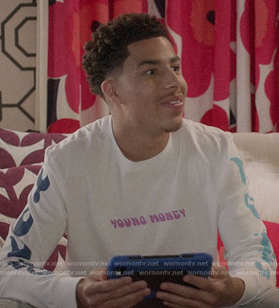 Junior's Young Money t-shirt on Black-ish