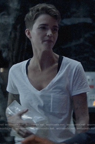 Kate's white v-neck tee on Batwoman