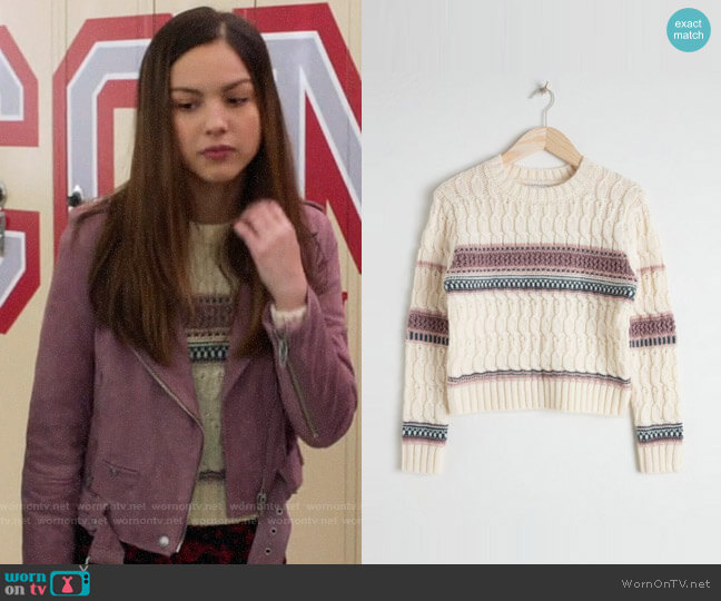 & Other Stories Cropped Cable Knit Sweater worn by Nini (Olivia Rodrigo) on High School Musical The Musical The Series