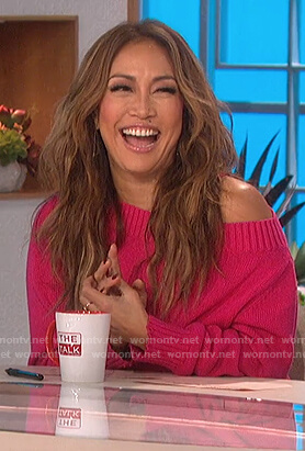 Carrie's pink off shoulder sweater on The Talk