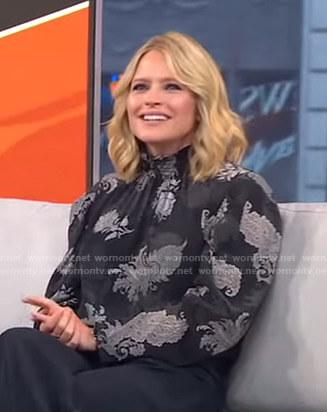 Sara's black printed smocked neck blouse on GMA Strahan Sara And Keke