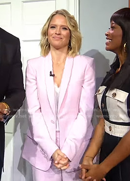 Sara's pink shawl collar blazer on GMA Strahan Sara And Keke