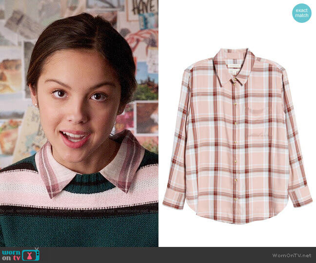 Treasure & Bond Lightweight Boyfriend Shirt worn by Nini (Olivia Rodrigo) on High School Musical The Musical The Series