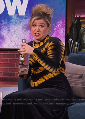 Kelly's black tie die velvet dress on The Kelly Clarkson Show